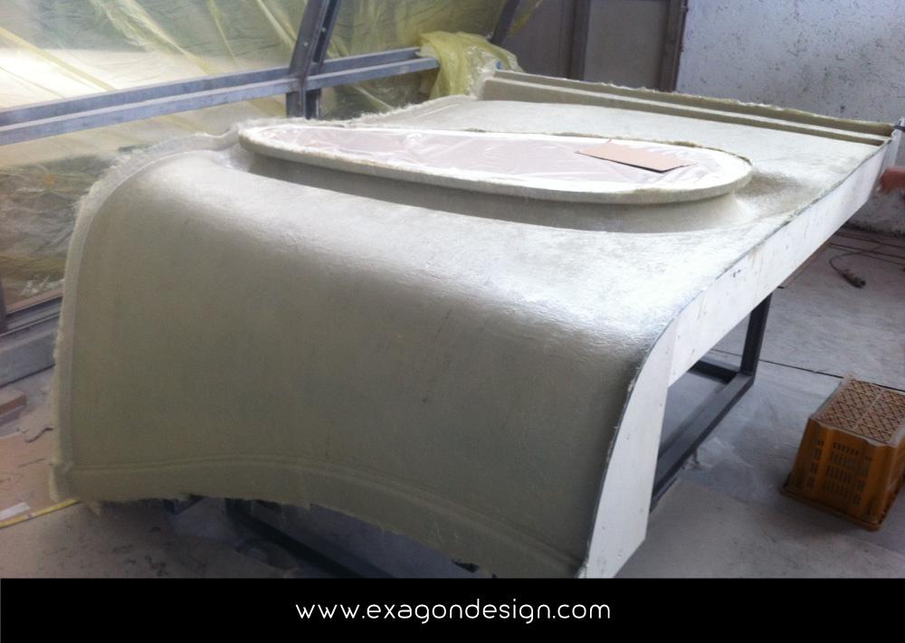 Privilege-Luxury-Yacht-Lounge-bar-exagon-design_02