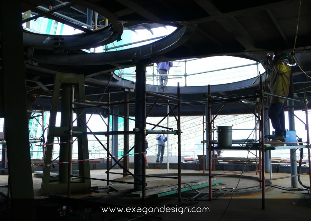 Privilege-Luxury-Yacht-Lounge-bar-exagon-design_06