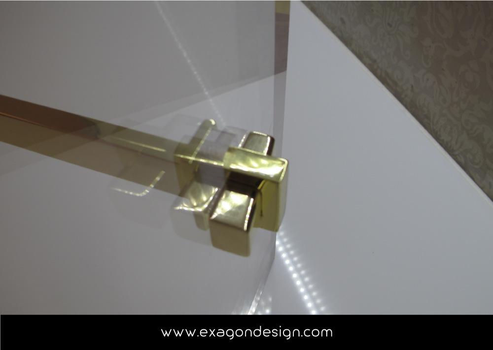 Versace-Tblisi-shop-flying-wardrobe-plexiglas-and-brass-exagon-design_06