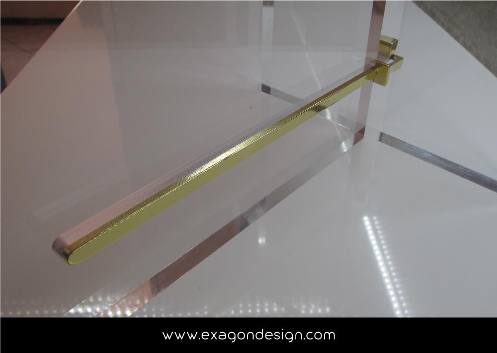 Versace-Tblisi-shop-flying-wardrobe-plexiglas-and-brass-exagon-design_07
