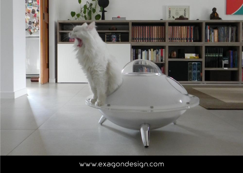 Pet-Design-cuccia-per-gatti-ufo-exagon-design_05