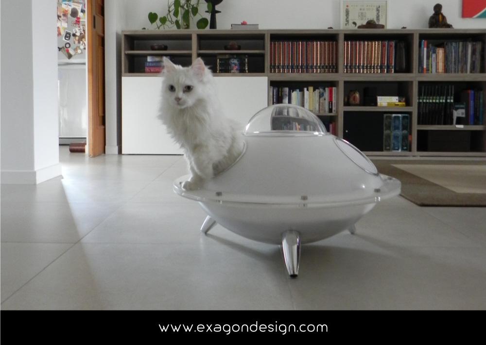 Pet-Design-cuccia-per-gatti-ufo-exagon-design_06