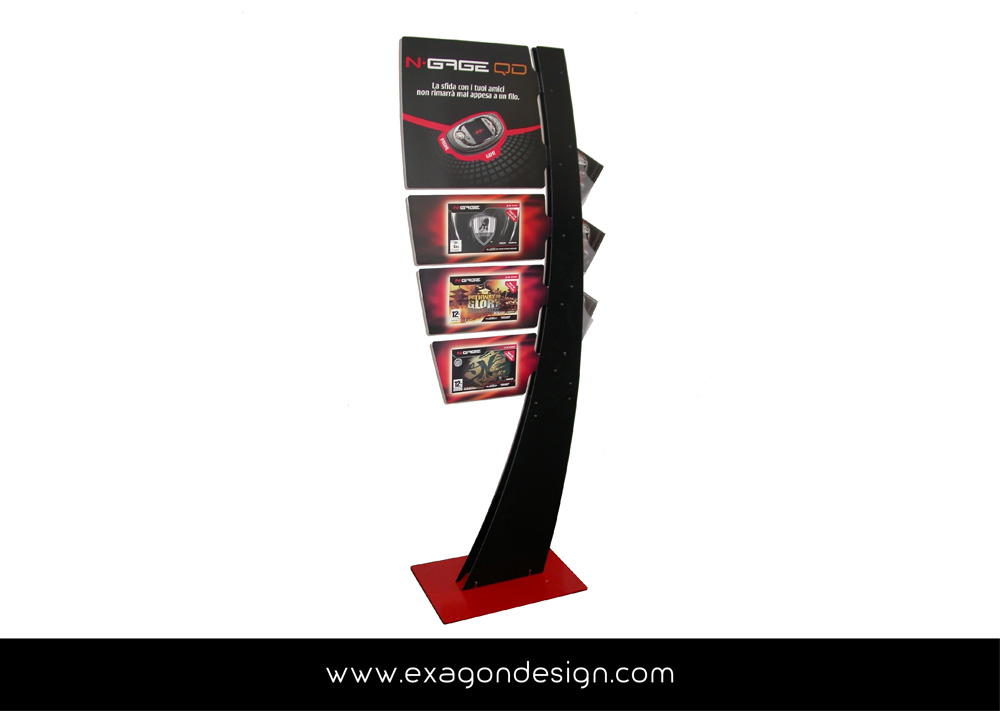 Totem_Da_Terra_Display_Agenzia_del_Territorio_Exagon_Design_02-01