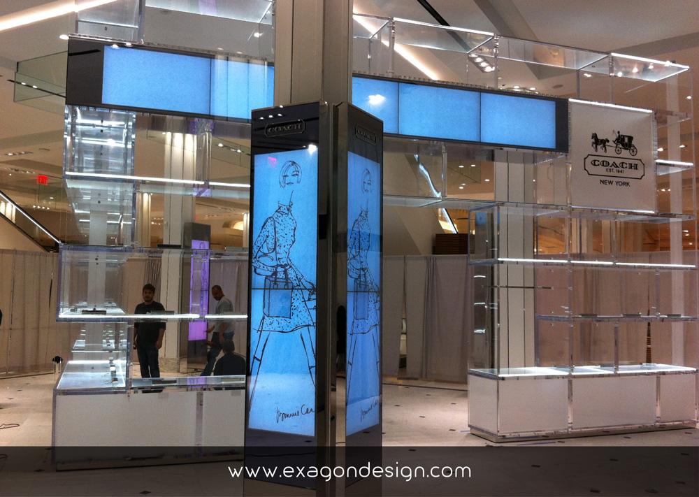 Coach-oma-shop-wall-showcase-plexiglas-exagon-design_02